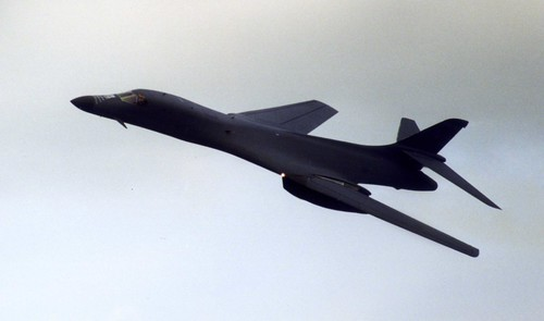 Rockwell B-1B Lancer Flypast at RAF Fairford Air Display 2002