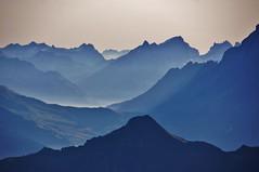 Morning Mood (Swiss.PIX) Tags: panorama sun mountain mountains mañana fog sunrise schweiz switzerland suisse suiza sony berge suíça alpen svizzera morgen matin manhã switserland mattino 瑞士 mönch schilthorn zwitserland isviçre mürren morgenstimmung svizra szwajcaria myswitzerland スイス švýcarsko سويسرا abigfave швейцария a580 ελβετία capturenature შვეიცარია przedpołudnie ringexcellence dblringexcellence tplringexcellence у́тро швейца́рия ประเทศสวิสเซอร์แลนด์ photographyforrecreationeliteclub स्विजरलैंड švice celebritiesofphotographyforrecreation photographyforrecreationclassic