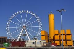 wheel (Rasande Tyskar) Tags: sky white wheel yellow port harbour hamburg rad himmel ferris gelb ferriswheel bigwheel riesenrad grasbrook bunt containers farben hafencity weis