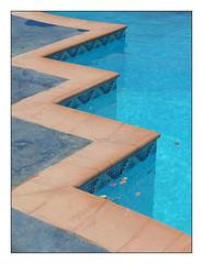 Swimming Pool (longboard_rod) Tags: swimmingpool leicactyp112