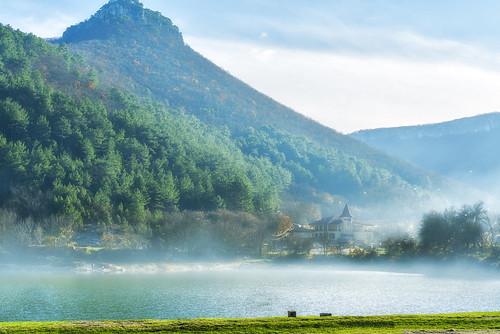 Smoke over Mangup lake