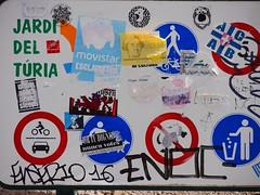 RuLes. (Warmoezenier) Tags: bord del espana jardin rules spain spanje traffic turia valencia verkeer verkeersregels