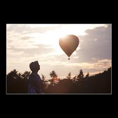 Spectator (KoenK68) Tags: hot air balloon fiesta spectator backlight female woman woods canon koenk68
