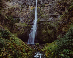 Multnomah Falls Middle Section (Pedalhead'71) Tags: multnomah falls landscape waterfall columbiagorge oregon cascadelocks unitedstates us
