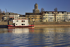 Arnhem; Rijnkade (Fred van Daalen) Tags: rijnkade gelderland arnhem veluwe betuwe stadsblokken praets rijn
