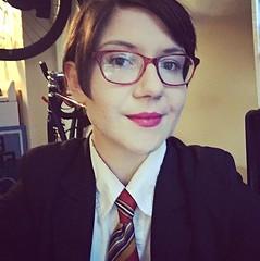 Jenny (bof352000) Tags: woman tie necktie suit shirt fashion businesswoman elegance class strict femme cravate costume chemise mode affaire