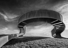 Het elastisch perspectief 4 (Rens Timmermans) Tags: canon5dmk3 sigma1224f4556dg blackwhite kunstwerken niksilverefexpro