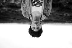 (Ana De Rosas) Tags: blackandwhite woman blancoynegro argentina monocromo mujer nikon foto retrato bn minimal mendoza desenfoque bandera contraste campo fotografia simple mirada minimalistic rostro sentimiento mypocket enfoque incoloro nikond40