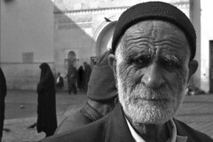 Syria - Damascus (luca marella) Tags: old portrait people bw white man black face beard blackwhite religion middleeast documentary social pb bn bianco nero reportage siria umayyadmosque