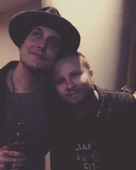 #Repost @zmyersofficial: ..had a time or 2 with this guy over the years .... one of my favorite people. (ShinedownsNation) Tags: shinedown nation shinedowns zach myers brent smith eric bass barry kerch