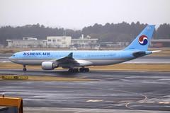 HL7538 Airbus A332 NRT 03Dec2012 (Citation Ten) Tags: hl7538 a332 kal nrt