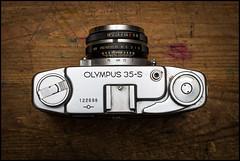 Olympus 35-S with Zuiko G. 4.2cm f1.8 (Lens Bubbles) Tags: olympus 35s zuikog42cmf18 zuiko