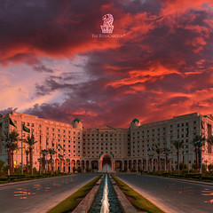 The Ritz-Carlton Riyadh (Abdulrahman.) Tags: 5dmarklll 35mm riyadh the ritzcarlton sun cloudy clouds architecture royal royalpalace