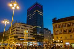 Zagreb - Trg Bana Josipa Jelaia (Aelo de la Krotsche) Tags: trgbanajosipajelaia zagreb hrvatska croatia croatie nuit noche nacht night zagrebdenoche zagrebdenuit zagrebbynight