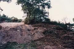 ANO 1998: Construcin da estrada  capela do  San Bieito da Uceira (Sandis - Ourense). Zona do Deposito de Auga de Sandis. (Xav Feix) Tags: obras sandis camio sanbieito uceira rural ourense galicia 1998 memoria limia accesos