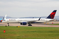 N727TW Boeing 757-231W Delta Air Lines MAN 03DEC16 (Ken Fielding) Tags: n727tw boeing b757231w deltaairlines aircraft airplane airliner jet jetliner
