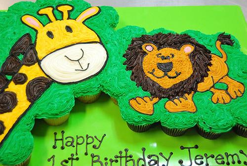 17-polkatots cupcake cakes