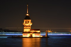 Kz Kulesi [Maiden's Tower] (aralavci) Tags: turkey trkiye istanbul kzkulesi kz kulesi maidenstower maidens tower bosphorus longexposure sea