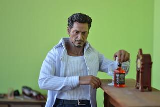 Тони у камина2