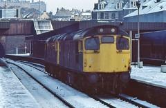 27051 AND 27008 RUN THROUGH A SNOWY HAYMARKET ON 6 JANUARY 1986 (47413PART2) Tags: 27051 brblue class27 haymarket