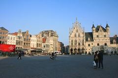 Grote Markt (Brian Aslak) Tags: grotemarkt mechelen malines antwerpen anvers vlaanderen flandre belgi belgique belgium europe city town vljak square praa