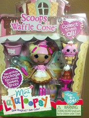 Scoops (Lawdeda ) Tags: toy cone more addiction waffle scoops lalaloopsy