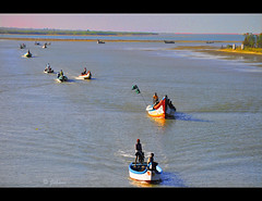 Calm waters....      -   Explore! (Jehane*) Tags: people india boats fishing nikon fishingboats chennai 2012 pulicat jehane pazhaverkadu nikond5000 jehanephotography