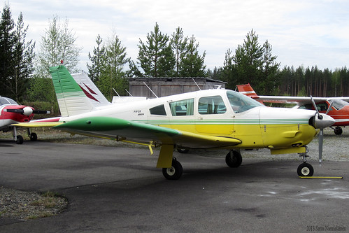 Piper PA-28R-200 Cherokee Arrow (OH-PJR)
