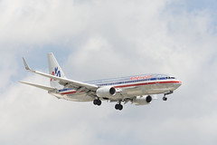 AA 737 (UnfinishedPortraitmaker) Tags: airplane aircraft aviation boeing americanairlines ord aa 737 ohareinternationalairport