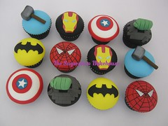 Marvel & DC Comic Superhero Cupcakes (TheSugarplumBakehouse) Tags: birthday boy cupcakes dc comic hand spiderman ironman covered hero superhero batman heroes hulk thor marvel incredible captainamerica fondant domed