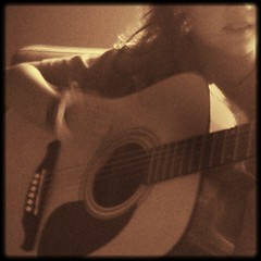 Nena Con Su Guitarra (Ybidau) Tags: music love child guitar guitarra nia nena ff bidau