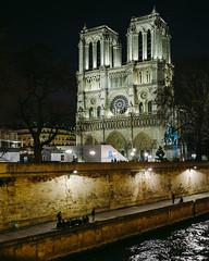 Notre Dame (Victor Prez :: victorperezp.com) Tags: longexposure paris france seine night photography noche barco lyon riviere victor notredame torreeiffel francia nuit fotografo perez fleuve sena riosena