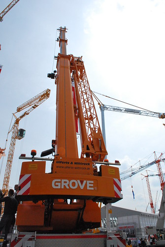 Grove rough-terrain crane