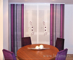 "Panel Japonés en color morado • <a style=""font-size:0.8em;"" href=""http://www.flickr.com/photos/67662386@N08/9194692076/"" target=""_blank"">View on Flickr</a>"