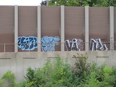 4ize / vial oic  -  freeway (m_ts42) Tags: streetart minnesota wall graffiti pieces minneapolis explore freeway tc spraypaint walls twincities graff saintpaul putin vial vladimir oic fillin 2013 freewaygraffiti 4ize oicgraffiti