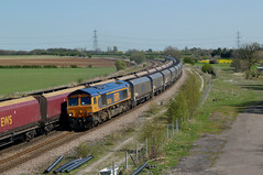 GB Railfreight 66735 & DB Schenker 66167 @ Burton Salmon (Sicco Dierdorp) Tags: york train salmon gb coal burton dbs class66 ferrybridge ews gbrailfreight knottingley kolentrein milfordjunction dbschenker