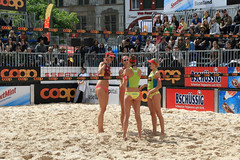 PG0O8742_R.Varadi-fotogalerie-rv.ch (Robi33) Tags: show summer game sport ball court switzerland sand play action competition basel victory player beachvolleyball international block umpire viewers