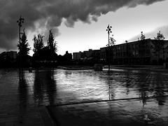 raining (Johnson Cameraface) Tags: cameraphone urban rain spring may samsung doncaster southyorkshire 2015 johnsoncameraface gresleysquare johnsoncameraphoneface blackcamapp