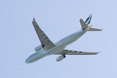 Cathay Pacific B-LBE (kuni4400) Tags: cx cpa blbe a333 kix rjbb aircraft airplane cathaypacific sal70400g2