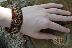 crimson heart bracelet (~Gilven~) Tags: bead beads beading beadembroidery embroidery emblem japanesebeads jewelry jewelryfindingsbyannachernykh red bracelet medieval metal foggyforest