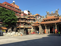 Taichung City, Taiwan (Quench Your Eyes) Tags: buddhist buddhisttemple chennantemple daijiajennlanntemple dajiadistrict no158 shuntianrd shuntianroad taichungcity asia biketour taiwan temple travel