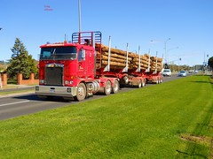 photo by secret squirrel (secret squirrel6) Tags: truck vehicle secretsquirrel6truckphotos craigjohnsontruckphotos kenworth trafalgar bdouble logtruck princeshighway roadpics long trucking bluesky flickr photos cabover red gippsland kw perfect timber wow