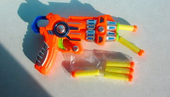 Alien Invasion Only You Can Save Us Foam Dart Shooter By ITP Imports Alien FX Industries Toy Bank England - 3 Of 7 (Kelvin64) Tags: alien invasion only you can save us foam dart shooter by itp imports fx industries toy bank england