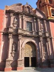 Ornate facade, Templo del Oratorio de San Felipe Neri, San Miguel de Allende, Mexico (Paul McClure DC) Tags: sanmigueldeallende mexico bajo guanajuato nov2016 church historic sculpture