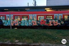 From our blog (link in bio) #stolenstuff #graffitiblog #check4stolen #flickr4stolen #sbahn #munich #graffititrain #graffitimunich #running #instagraff (stolenstuff) Tags: instagram stolenstuff graffiti graffititrain benching