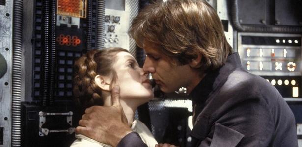 "Carrie Fischer revela affair com Harrison Ford nas filmagens de ""Star Wars"""