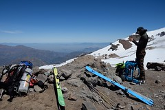sosta al Paso Franciscano 3570 m (wildphotoshooter) Tags: scialpinismo cile ande avalco laparva pasosanfrancisco elplomo