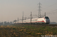 Sfreccia Bianca (Massimo Minervini) Tags: e414 fs trenitalia passeggeri train frecciabianca 9716 treno rail canon400d romanodilombardia bergamo lineamilanobrescia