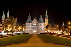 The Gate to the City (Matt Rimkus) Tags: schleswigholstein nightshot architecture historic holstentor longexposure lübeck winter deutschland de