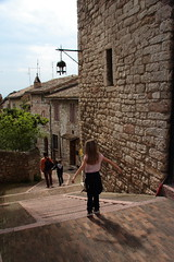 Rivolere volare (Beat Rice) Tags: shadow scale kid jump ombra staircase salto behind assisi bambina areps